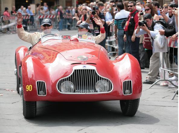 Una Lancia Astura del 1938 alla Mille Miglia