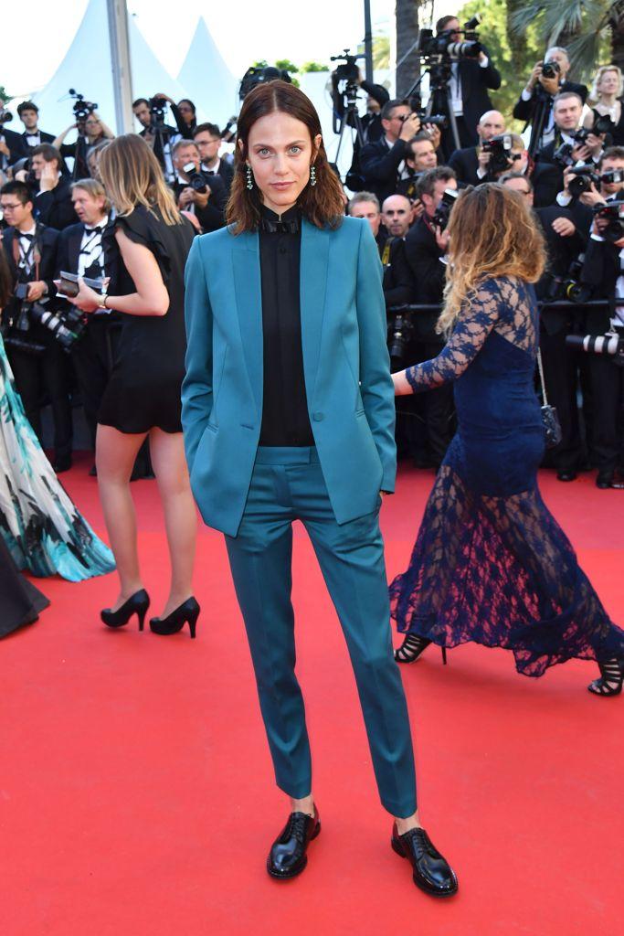 Cannes 2017 attrici chic in pantalone e susan sarandon for Salone cannes 2017