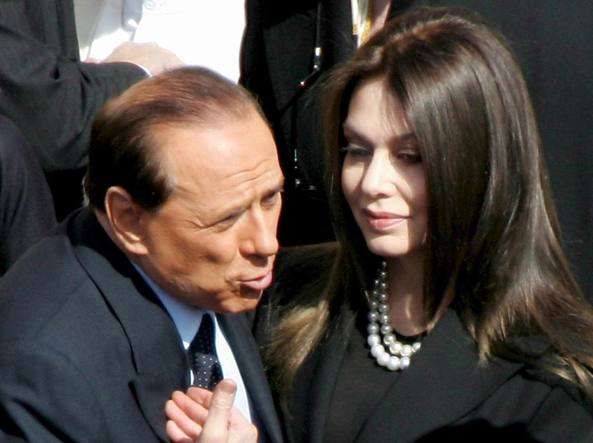 Silvio Berlusconi e Veronica Lario (Epa)