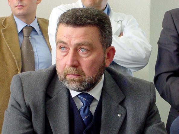 Arrestati armatore ed ex sindaco: «Corruzione nei trasporti marittimi»