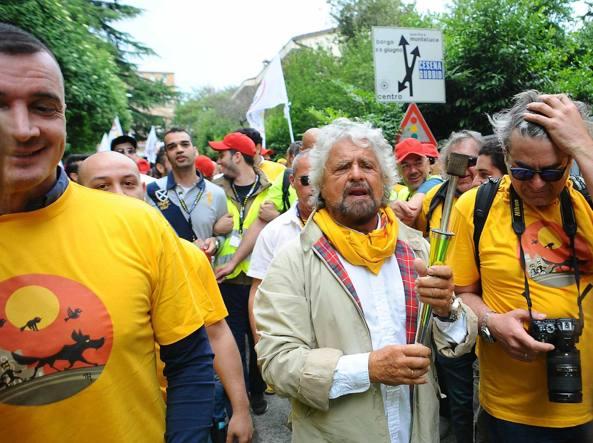 Beppe Grillo a Perugia (LaPresse)