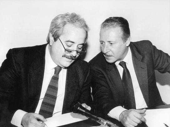 Targa in memoria di Falcone e Borsellino, Balestrieri:
