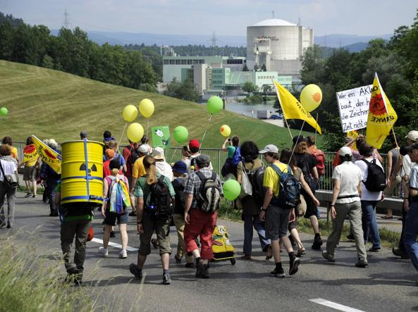 Referendum Svizzera: via il nucleare ma dal 2050