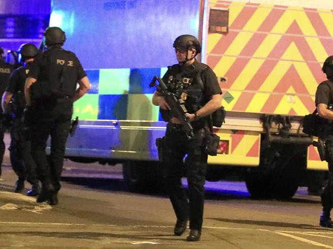 Manchester, attentato al concerto di Ariana Grande: 19 morti e 59 feriti L'ipotesi di un'azione kamikazeCosa sappiamo finora   foto    video