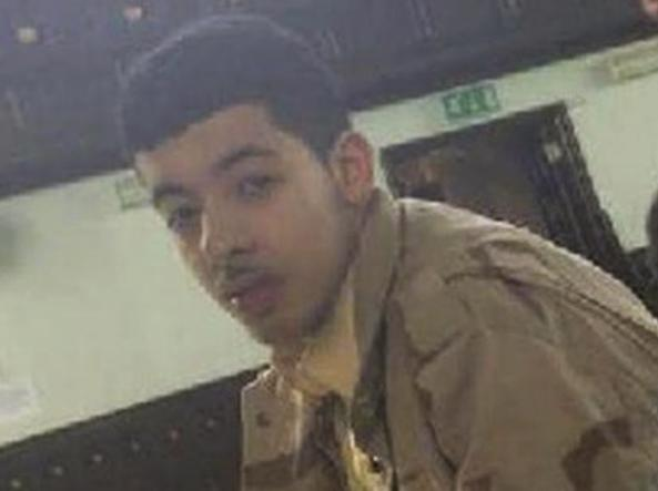 Strage Manchester, arrestati padre e fratello del kamikaze
