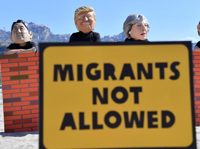 G7, stallo sul clima ma uniti sull'IsisTrump e Merkel cancellano i briefing