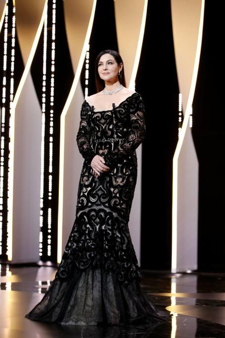 Cannes baci sul red carpet e la futura sposa jessica for Ragazze diva futura