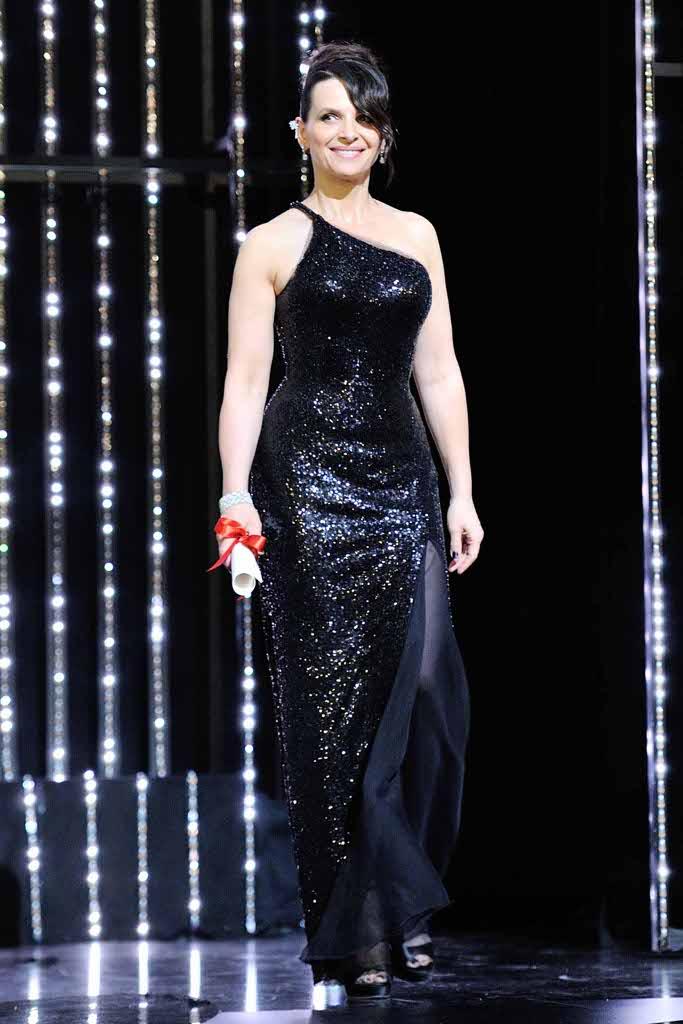 Cannes baci sul red carpet e la futura sposa jessica - Victoria diva futura ...