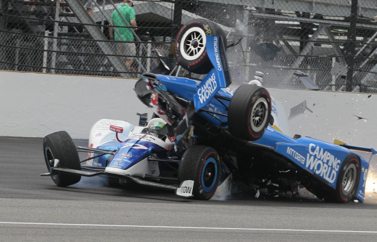 500 Miglia Di Indianapolis Tremendo Incidente Per Dixon