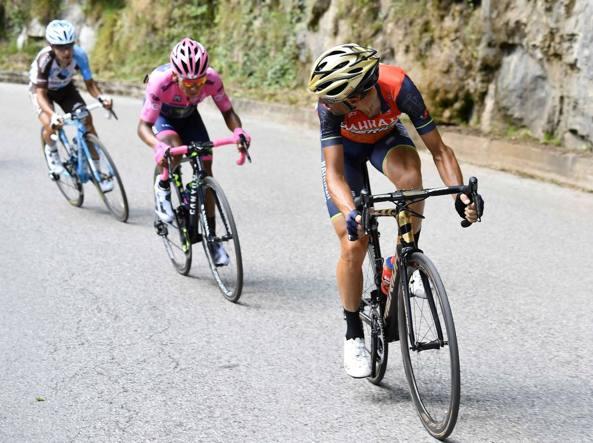Sfidanti Nibali osserva alle sue spalle la maglia rosa Quintana e Pozzovivo, sesto in classifica. I tre sono arrivati al traguardo insieme  a Pinot (terzo)  e Zakarin (quinto): sabato hanno staccato Dumoulin, ora dovranno reggere al suo attacco nella crono (Ipp)