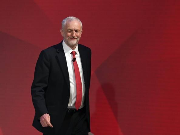 Scontro Tv tra May e Corbyn, la premier segna il passo