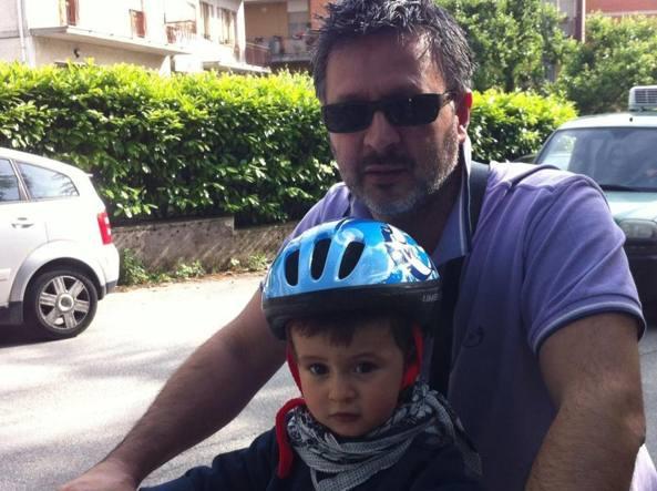 Il piccolo Francesco con il papà, Marco