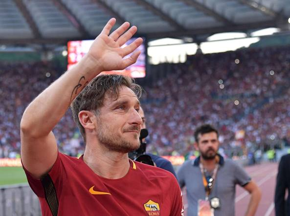 L'ultimo saluto di Francesco Totti ai tifosi (Lapresse)