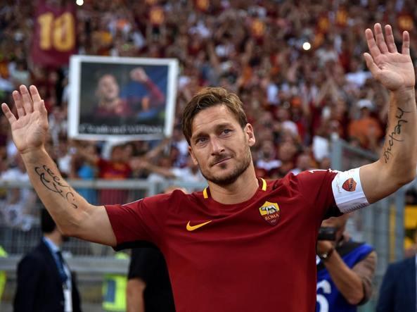 Roma-Genoa, accoglienza da brividi per Francesco Totti. Fischi per Spalletti