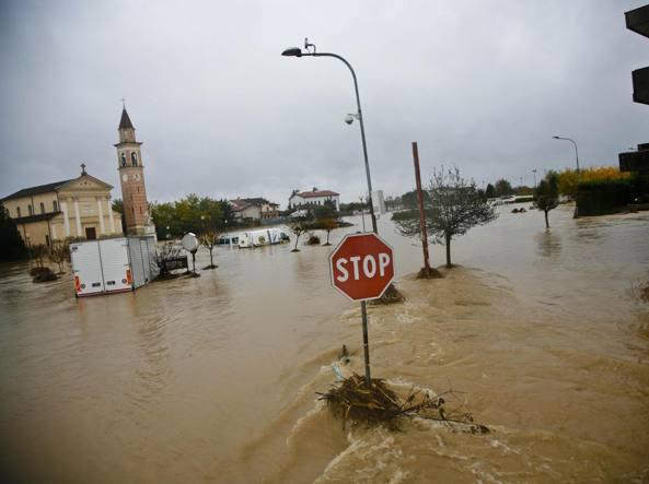 L'alluvione nel Vicentino del 2010 (Ansa)