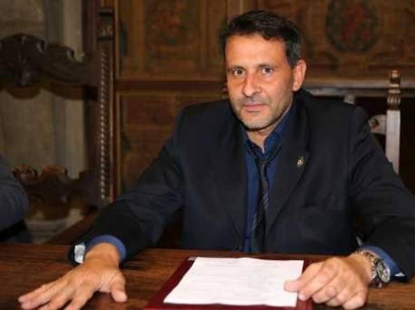 Arrestato sindaco Pd Oreste Giurlani per peculato