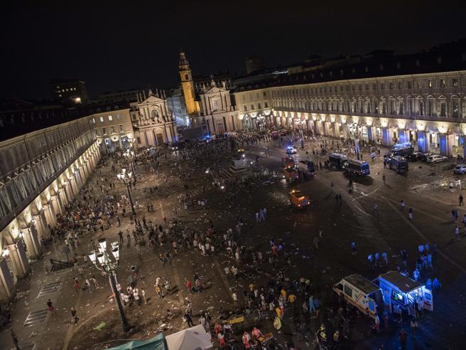 I fatti di piazza San Carlo, Appendino:«Prassi rispettate, agire su abusivi»