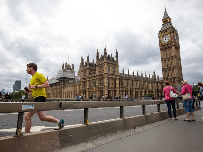 Corbyn o May? Le 5 cose da sapere sul voto inglese (tra Brexit e incubo jihad)