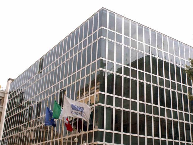 Caso Consip: indagato per depistaggio il vicecomandante del Noe Alessandro Sessa