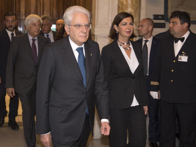 Il Quirinale si prepara al voto anticipatoNapolitano attacca il patto dei 4 leader