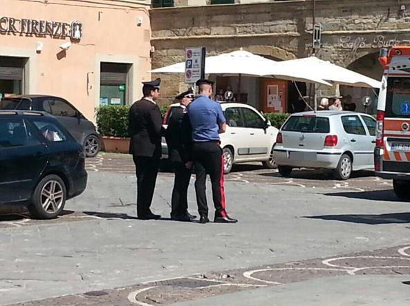 Arezzo, mamma dimentica la figlia in macchina: muore bimba di 18 mesi