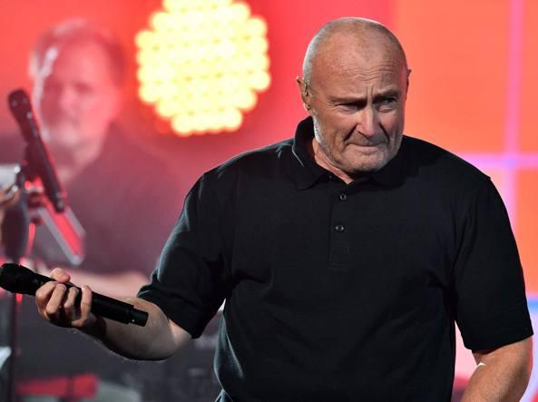 Phil Collins cade e finisce in ospedale