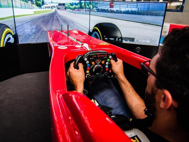 Dalle Ferrari vere di F1 ai simulatori«Così faccio sentire tutti come veri piloti»