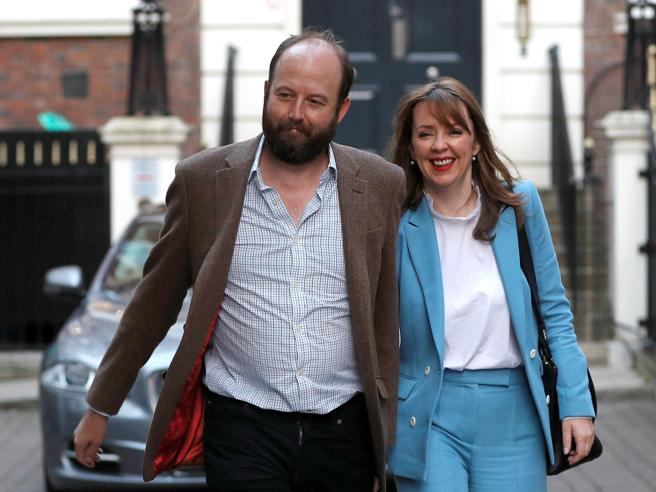 Gran Bretagna, via libera Dup: accordo di principio su governo Dimissioni dei due capi staff di May
