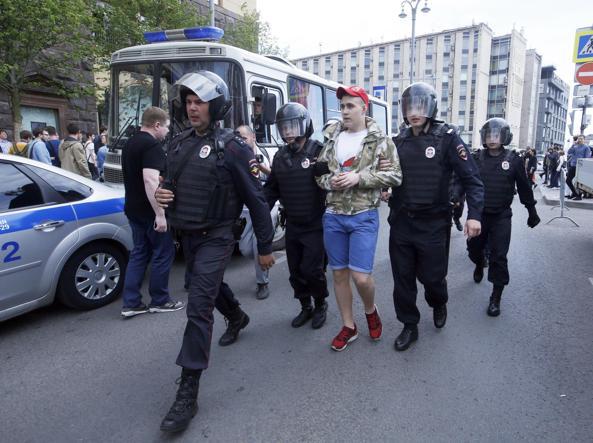 Russia, arrestati attivisti pro Navalny in manifestazione non autorizzata a Vladivostok