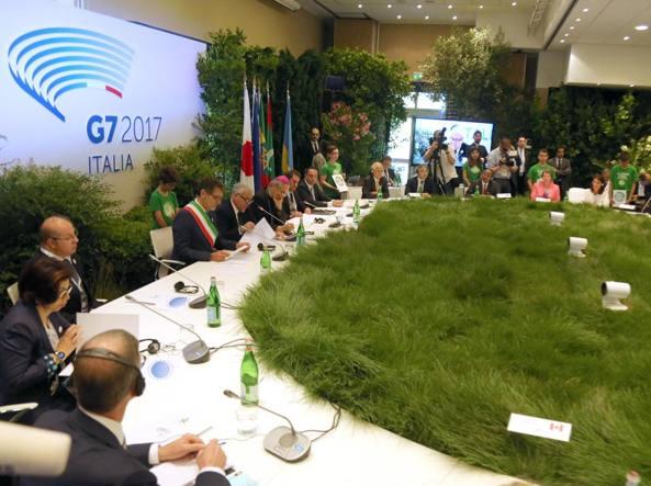 Il tavolo di lavoro al G7 Ambiente di Bologna