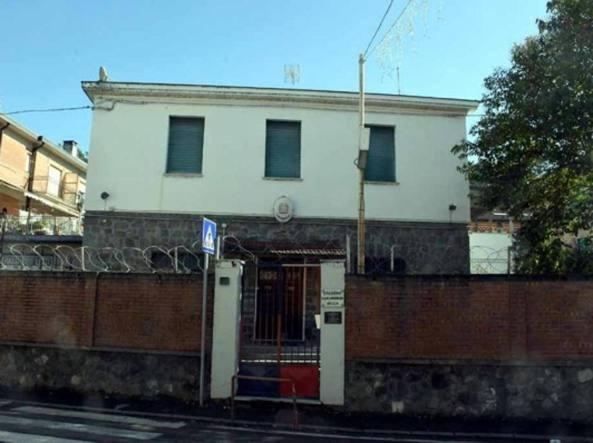 Quattro carabinieri arrestati in Lunigiana: accuse di lesioni e falso