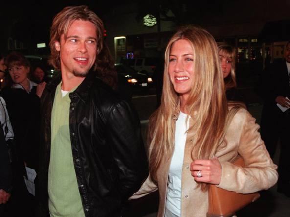 Brad Pitt e Jennifer Aniston nel 2000 (Ap)
