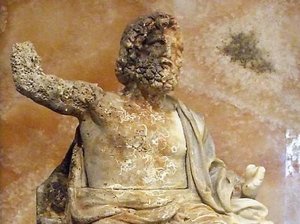 Risultati immagini per zeus in trono