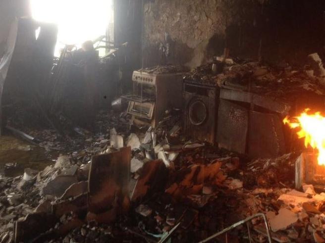 Dentro la Grenfell Tower, dove il fuoco ha distrutto ogni cosa