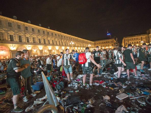Torino, nessuna speranza per Erika schiacciata nella calca di piazza San Carlo