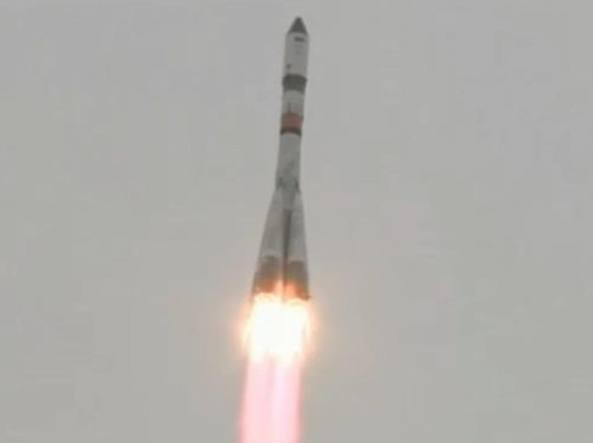 La partenza del Soyuz 2.1a (Tsenki tv/Roscosmos)