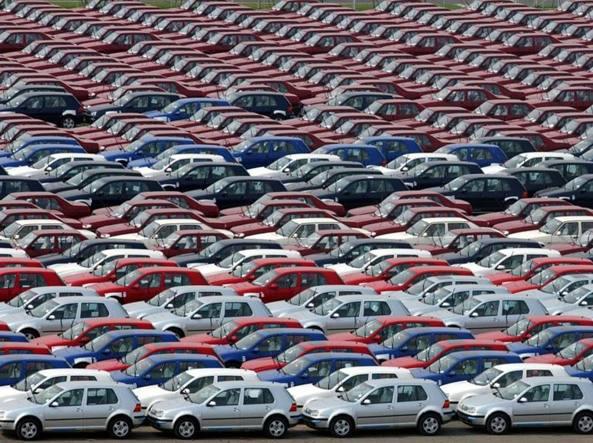 Mercato auto torna a crescere in Europa, a maggio +7,7%