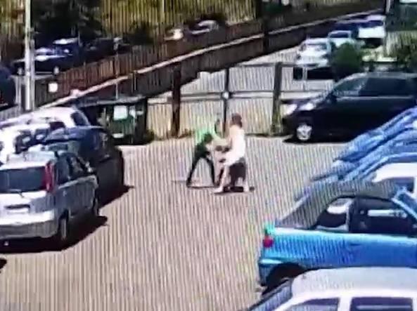 Un fotogramma del video del pestaggio