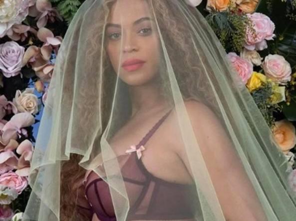 Beyoncé di nuovo mamma, nati due gemelli