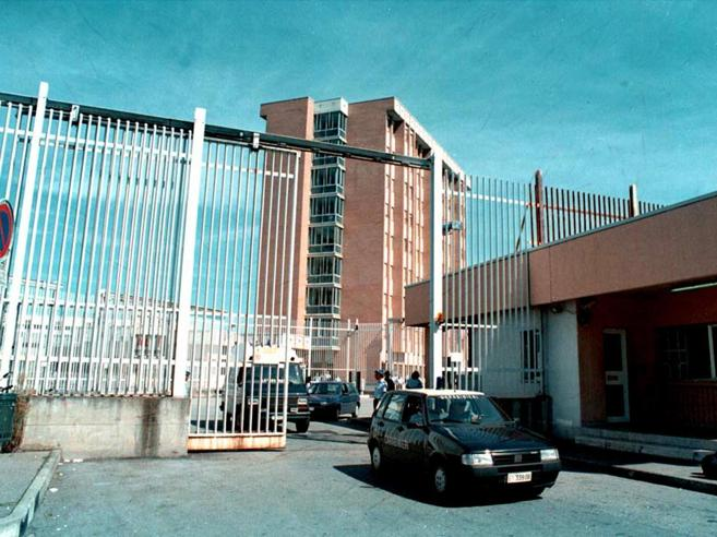 Donna evade dal carcere di Torino e lascia la figlia neonata in cella