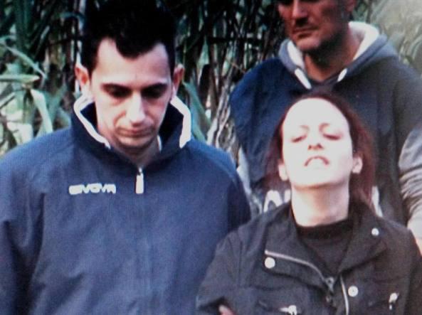 Davide Stival insieme alla moglie Veronica Panarello il giorno dell'omicidio del bambino, il 30 novembre 2014 (Ansa)