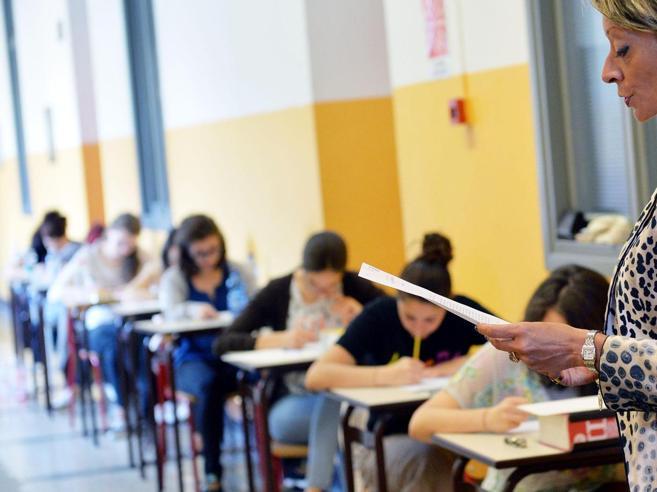 Maturità, studenti e fake news: 1   su 5  crede  che «sul web si trovino le tracce dell'esame»