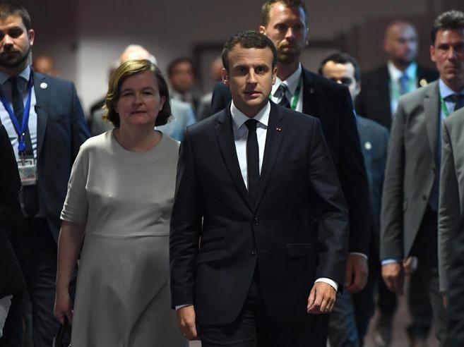 May svela il piano per i cittadini UeBruxelles-Russia, altri 6 mesi di sanzioni: «Non rispettati accordi»
