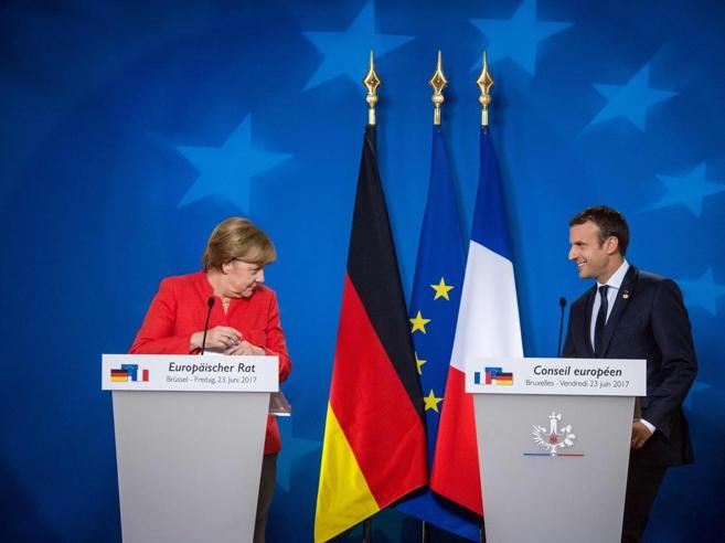 Migranti, Macron accusa:«Dovevamo ascoltare l'Italia»