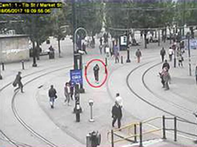 Manchester, il terrorista preparò la bombanavigando su   YouTube
