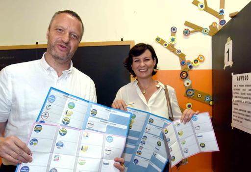 Verona,  la candidata Patrizia Bisinella con  il compagno Flavio Tosi
