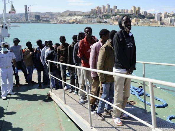 Migranti: botte e stupri Libia, un fermo