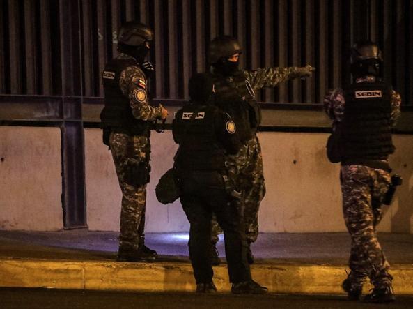 Elicottero 9050 : Venezuela nel caos granate da un elicottero contro la