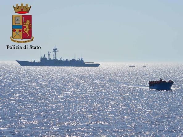 Migranti: il Governo sta per bloccare i porti alle Ong straniere