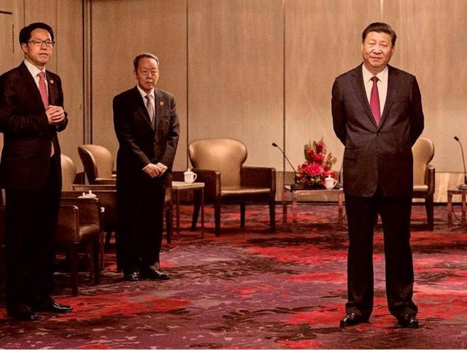 Xi a Hong Kong con i fedelissimi«Come il Padrino con la sua cupola»